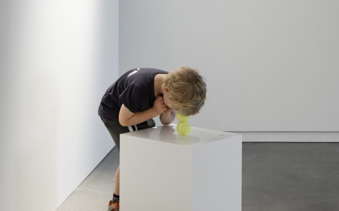 Erwin Wurm, Tennis Ball - One Minute Sculpture - Astronomical Enterprise, 2005/2014